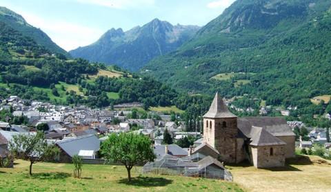 Vall e de luz saint sauveur le pays lumineux randonn e - Piscine luz saint sauveur ...