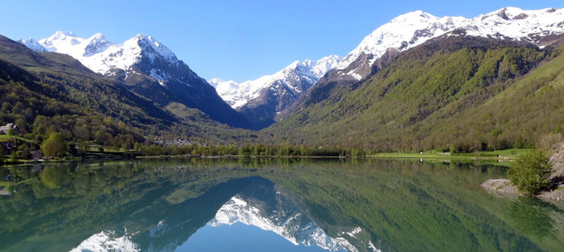 lac dans le val d'azun