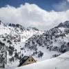 Refuge de Colomers en hiver sous la neige