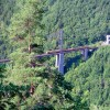 Petit train jaune sur le pont Gisclard